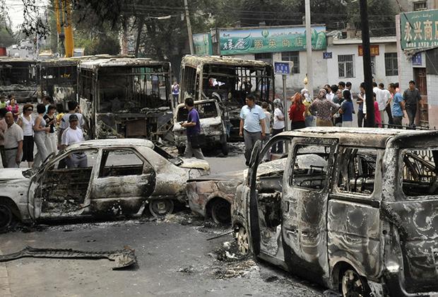 Последствия самых крупных волнений 2009 года в Урумчи