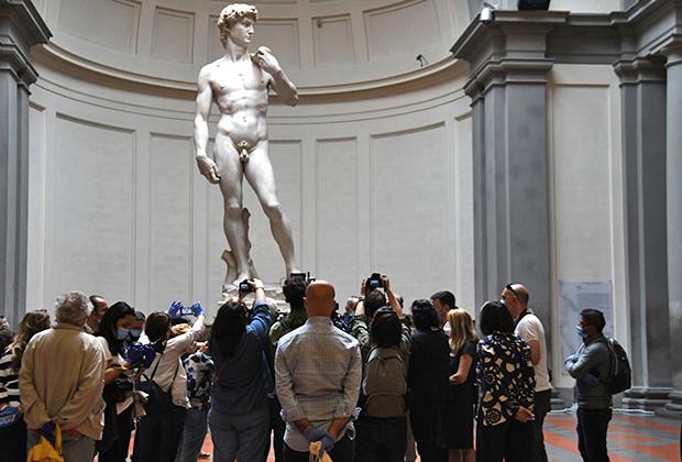 Статуя работы Микеланджело «Давид»