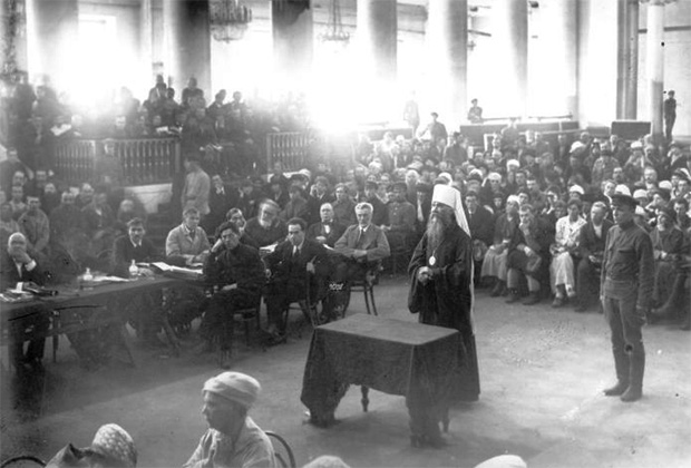 Митрополит Петроградский и Гдовский Вениамин (Казанский) во время Петроградского процесса. 1922 год